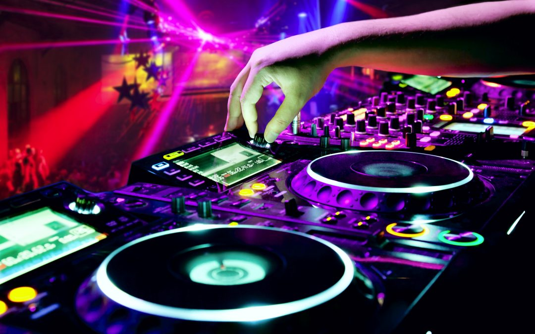 DJ Russ 80s 90s NYE Disco 31st of Dec